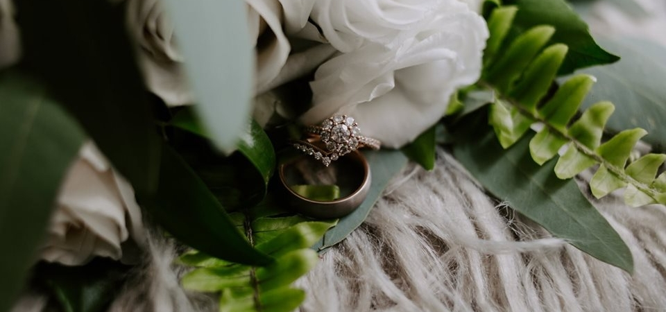Bouquet and rings